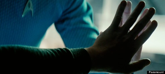 o-STAR-TREK-INTO-DARKNESS-570