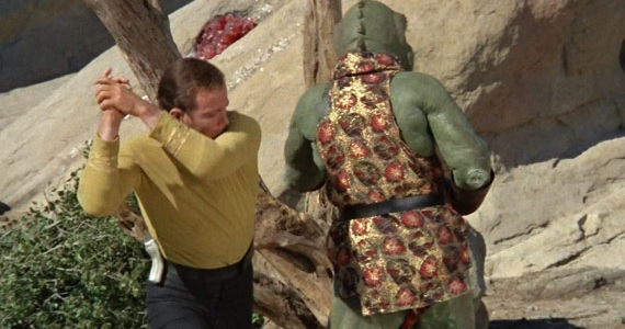 kirk-fights-the-gorn-in-star-trek-episode-arena